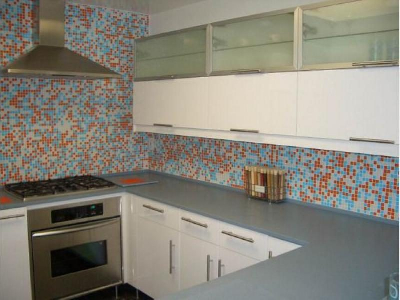 Mosaico con azulejos de cocina im genes y fotos - Cenefas modernas para cocina ...