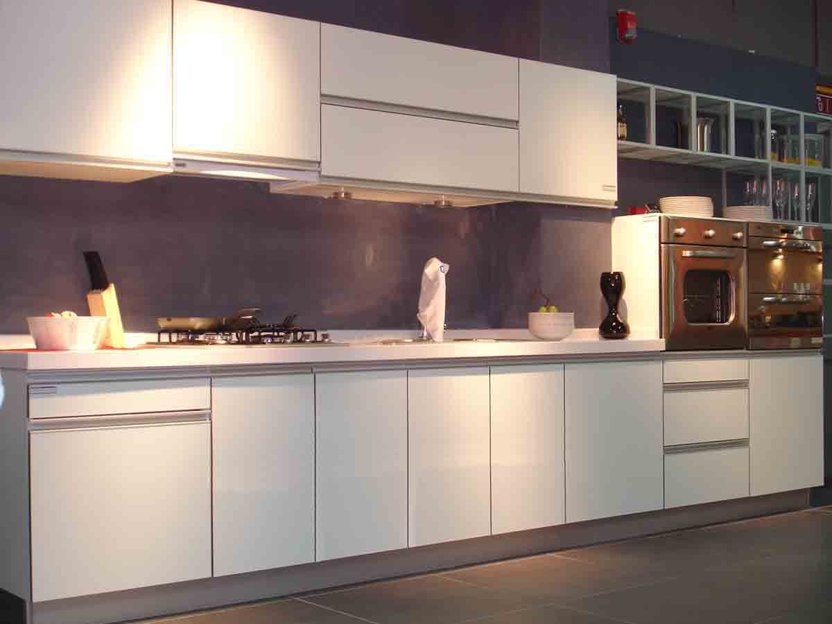 Muebles de cocina blancos im genes y fotos - Muebles de cocina blanco ...